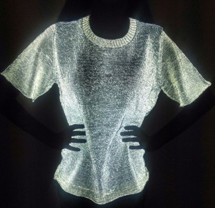 Example for a product with retroreflective yarn